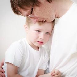 Anak Kangen dengan Ayah atau Ibu Sampai Sakit, Cuma Sayang Salah Satu Ortu?