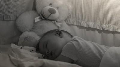 Diajak Traveling, Eh si Kecil Malah Tidur Terus