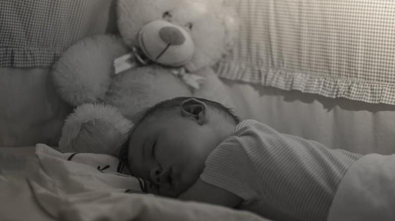 ilustrasi anak tidur saat traveling/ Foto: thinkstock