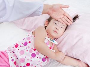 Ingat, Anak Demam Nggak Selalu Perlu Antibiotik