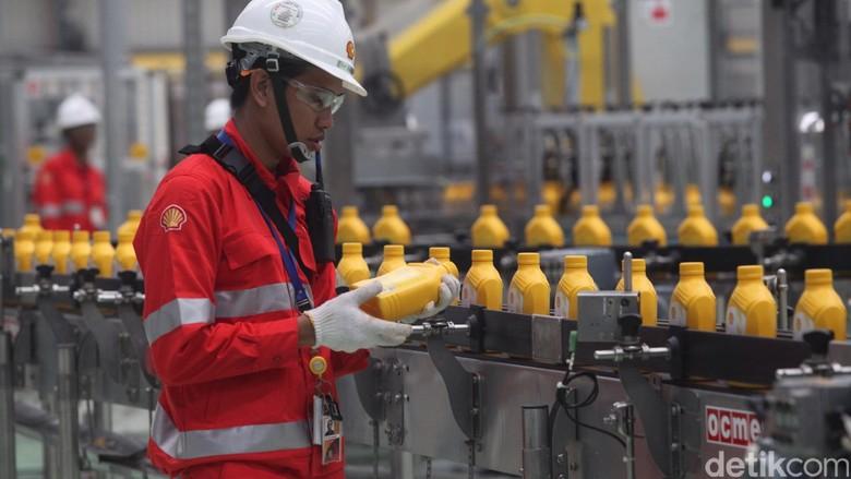 Pabrik pelumas Shell di Indonesia (Foto: Rachman Haryanto)