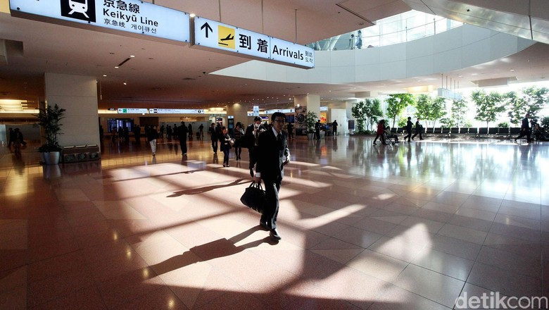 Ilustrasi Bandara Jepang (Rengga Sancaya)