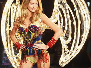 Di Balik Foto Kampanye Sempurna Para Model Victorias Secret