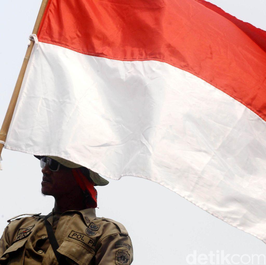 PNS Demo ke DPRD Tuntut Bupati Morotai Mundur