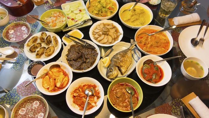 Ada banyak makanan khas Indonesia yang menggunakan santan. (Foto: Thinkstock)