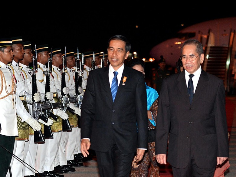 Jokowi Singgung Terorisme, Laut China Selatan dan Karhutla di KTT ASEAN
