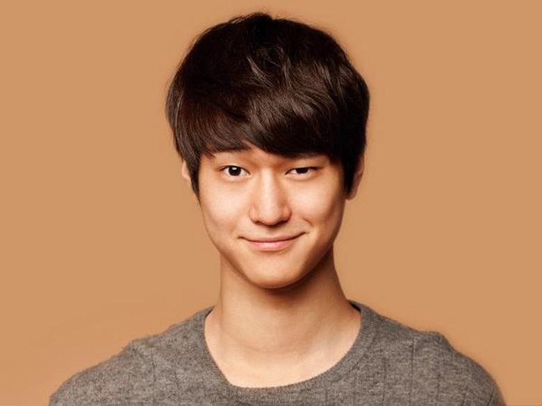 Go Kyung Pyo Dikabarkan Punya Pacar, Ini Kata Manajemen