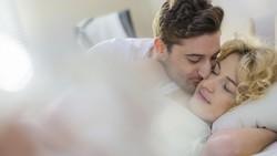 Kehamilan Makin Besar, Apa yang Harus Diperhatikan Saat Bercinta?