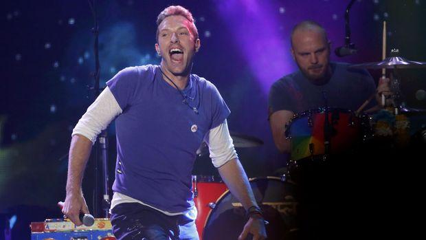 Fan langsung tanggap bereaksi mengetahui karya baru Chris Martin dan teman-temannya ini.