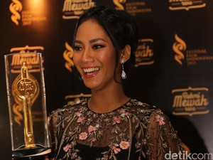 Film A Copy Of My Mind Bawa Nama Tara Basro Raih Piala Citra