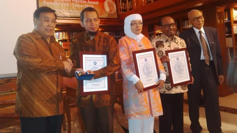 3 Ilmuwan di Bidang Rekayasa, Sosial dan Kebudayaan Dapat Habibie Award