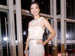 Foto: Pesona Gaun Desainer Indonesia yang Dipakai 10 Selebriti di FFI 2015