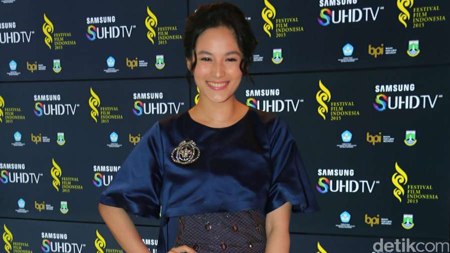 Hot Photo Highlight: Parade Artis di Festival Film Indonesia 2015