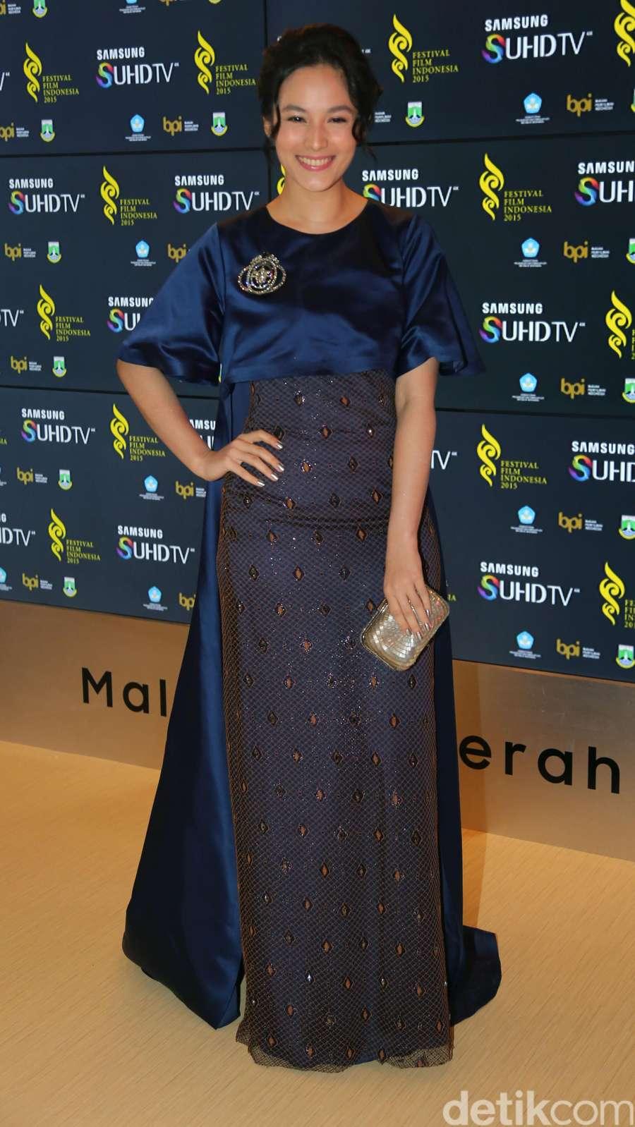 Chelsea Islan Cantik dan Elegan di FFI 2015