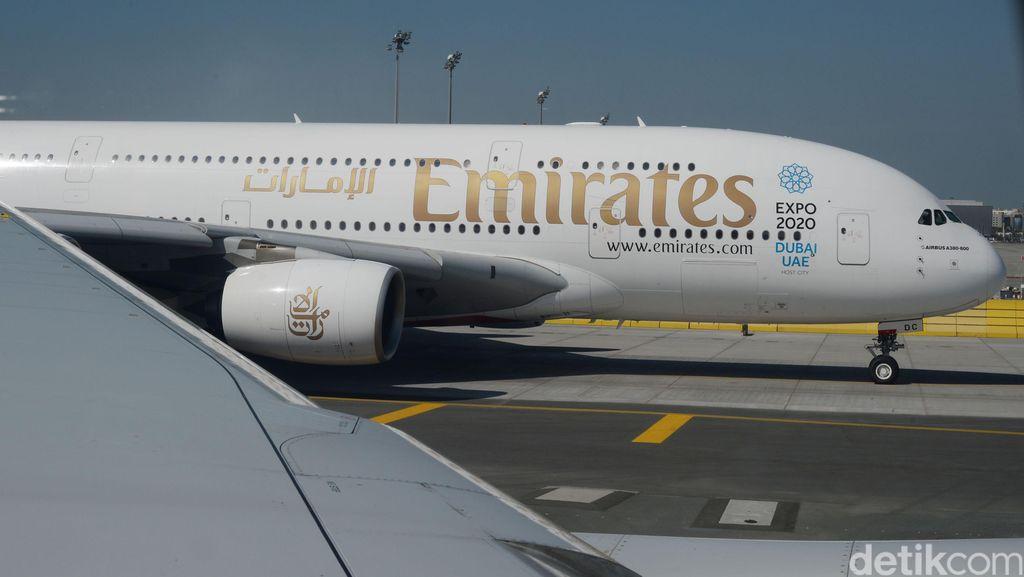 Penyakit Misterius Penumpang Emirates di NY, 10 Orang Dibawa ke RS