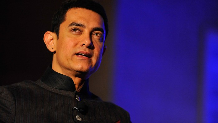 WASHINGTON, DC - OCTOBER 28:  Aamir Kahn speaks at the 2013 America Abroad Media Awards Dinner at Andrew W. Mellon Auditorium on October 28, 2013 in Washington, DC.  (Photo by Larry French/Getty Images)