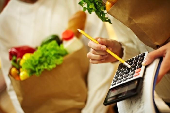 Mengunyah permen karet bisa membuat konsumsi kalori per hari Anda berkurang. Syaratnya, pilih permen karet yang bebas gula.(Foto: Thinkstock)
