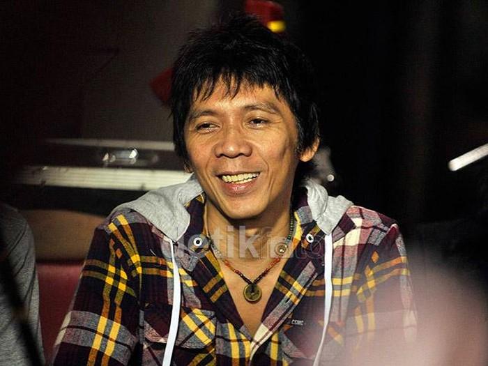 Bimbim Artis Kena Narkoba Dihukum Bersihin Wc Monas 3 Bulan