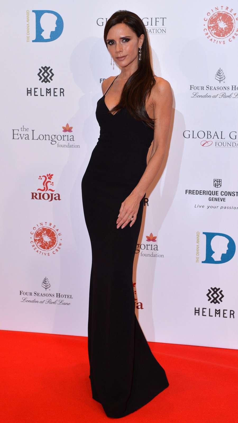 Berusia 41 Tahun, Victoria Beckham Makin Langsing Aja