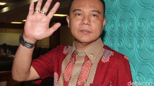 Wakil Ketua MKD Sufmi Dasco Ahmad dari Fraksi Gerindra ikut-ikutan mempermasalahkan validasi rekaman yang dijadikan bukti. Dasco menepisnya dan berdalih itu sudah sesuai aturan.