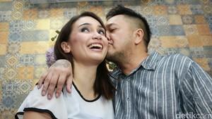 Kisah Feby Febiola-Franky Sihombing Prewedding di Bangkok