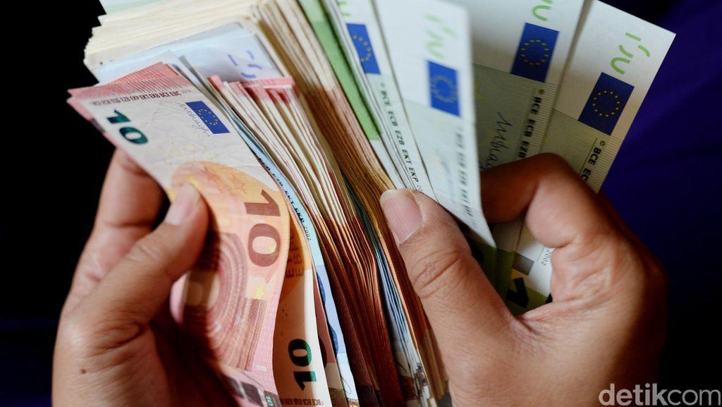 Bukti Pencucian Uang Rp 5,6 M Ditemukan Polisi di Mesin Cuci