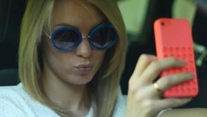 Di Prancis, Pakai Ponsel Sambil Nyetir Didenda Rp 2,2 Jutaan