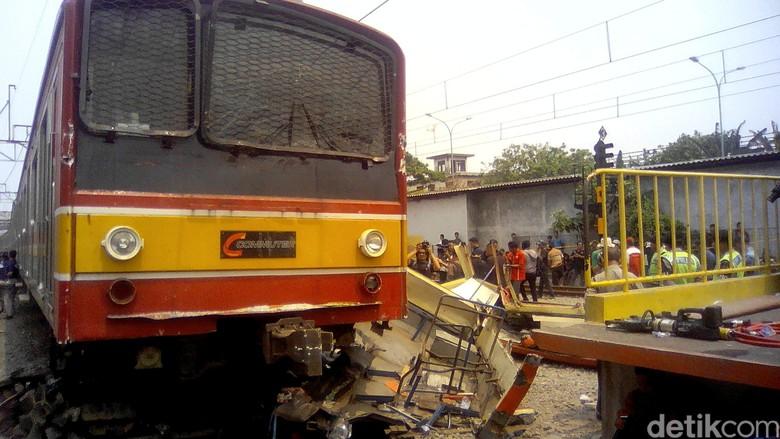 Dishub DKI: Trayek Metromini Penerobos Lintasan Kereta di Angke Dicabut