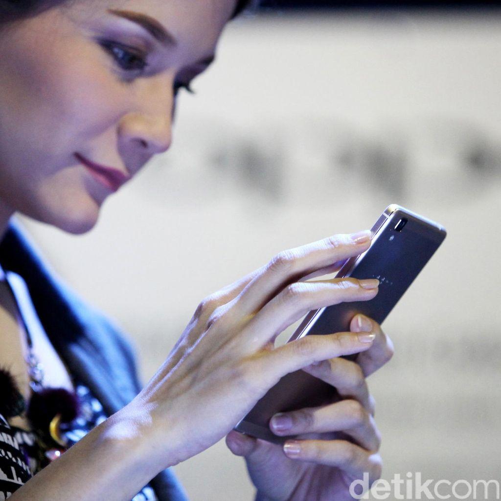 Tes Kepribadian: Bagaimana Cara Kamu Memegang Handphone?
