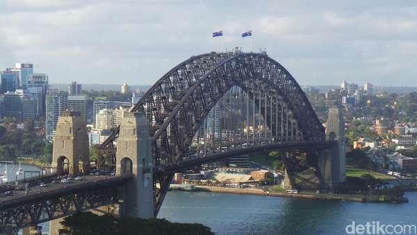 Ngeri-ngeri Sedap! Meniti Sydney Harbour Bridge yang Ikonik