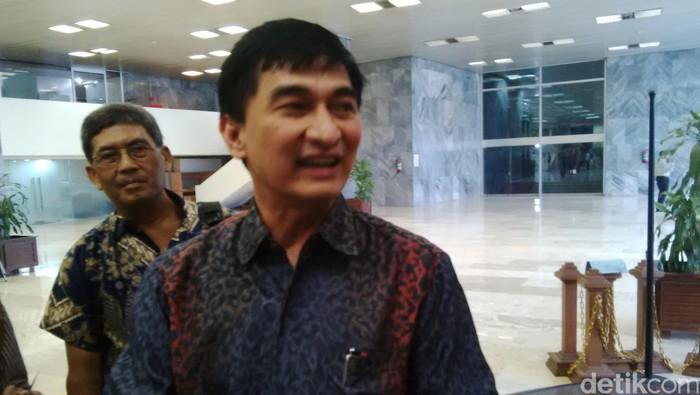 Dimyati Natakusumah mengaku mendapat teror lewat telepon setelah sidangkan Novanto, Selasa (8/12/2015).