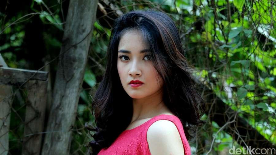 Cantiknya Nadya Arina, Bintang Film Kafir