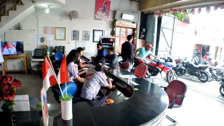 Wanita biasanya ada di meja (Foto: Aris Ginanjar)