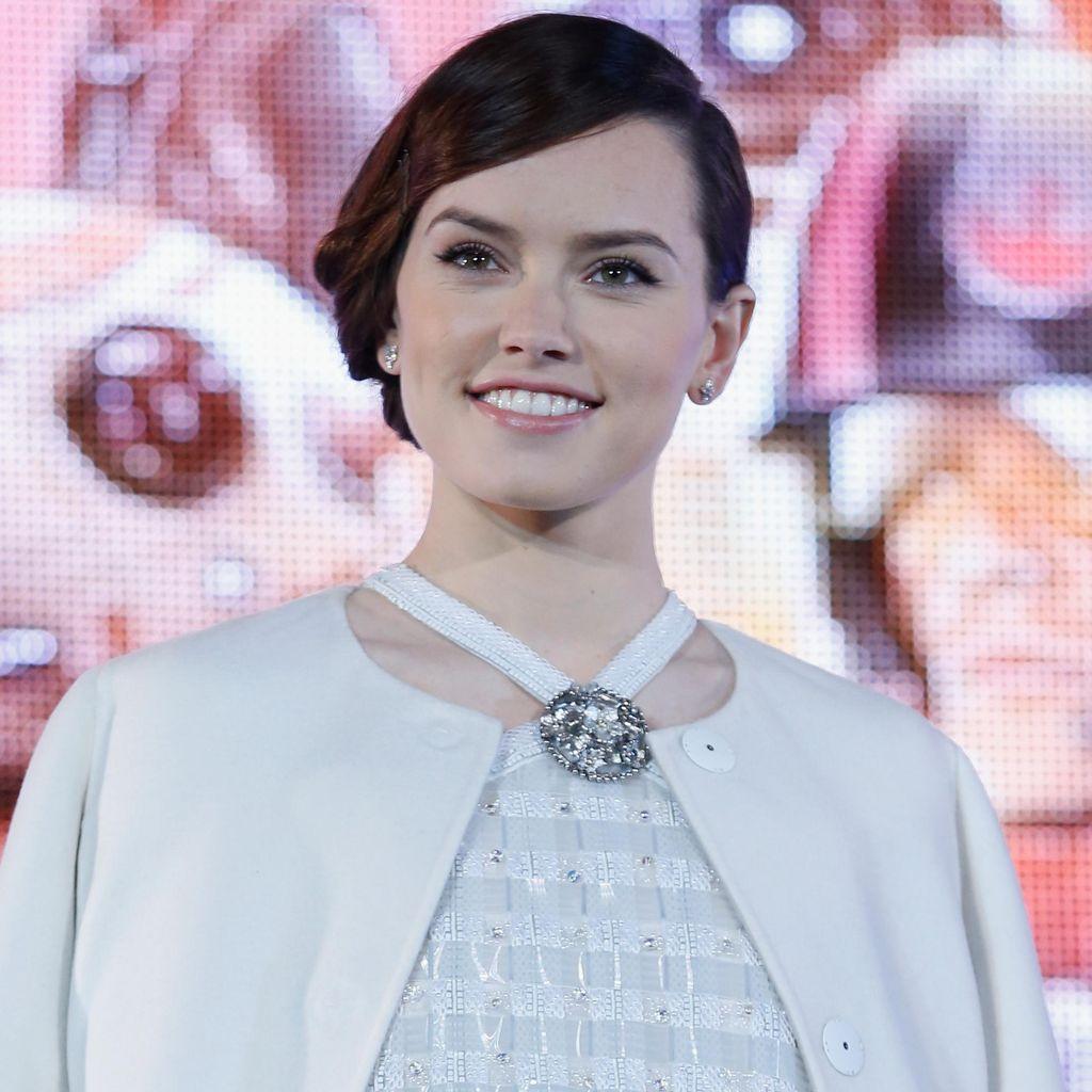 Daisy Ridley Tak Takut Kena Kutukan Star Wars