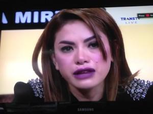 <i>Curhat</i> di TV, Nikita Mirzani Berurai Air Mata