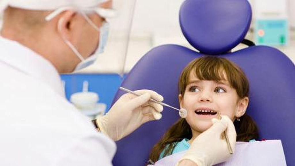 Kata Dokter Soal Mencabut Gigi Memakai Benang
