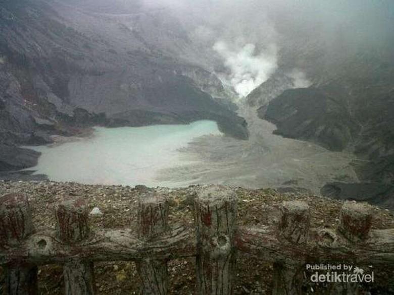Gunung Tangkuban Perahu Erupsi, Ini yang Harus Diwaspadai