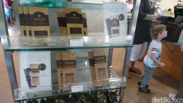 Keliling Pabrik Cokelat Haighs yang Berusia Seabad di Adelaide