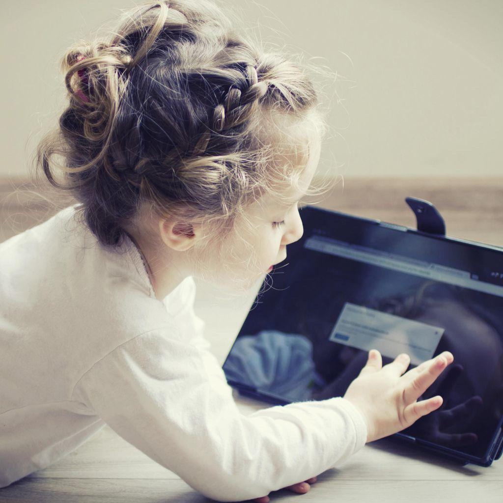 Duh! Anak Tak Sengaja Lihat Pornografi Saat Ngegame