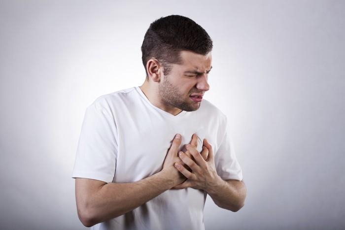 Untuk orang yang memiliki sakit mag memang tidak dianjurkan untuk mengonsumsi makanan pedas. Karena makanan pedas bisa mengikat reseptor esofagus yang dapat menimbulkan sensasi terbakar. Capsaicin menyebabkan katup berotot di bagian atas perut tetap terbuka terlalu lama, membiarkan asam kembali ke kerongkongan. Foto: thinkstock