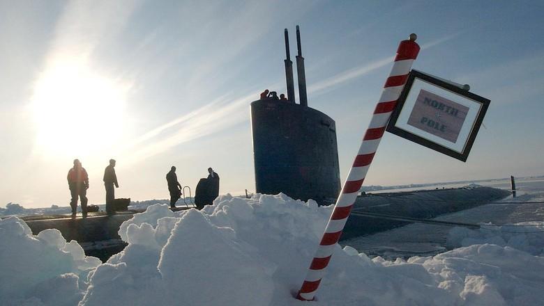 Awak kapal selam Amerika Serikat di Kutub Utara