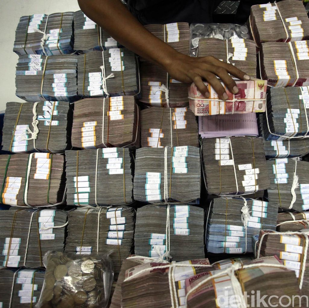 Bayar Utang, Pemerintah Cicil Rp 300 Triliun Tiap Tahun