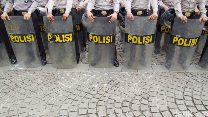 Tameng Polisi.  dikhy sasra/ilustrasi/detikfoto