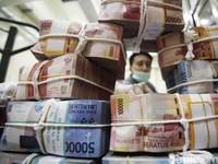Cara Tukar Uang Miliaran ke Pecahan Rp 20.000 Seperti Bowo