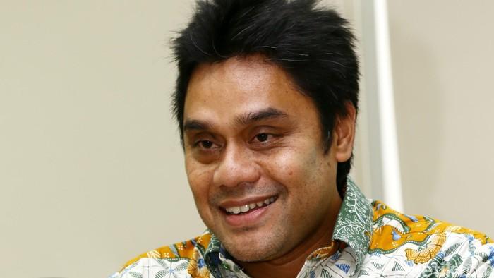 Dwiki Dharmawan (lahir di Bandung, Jawa Barat, 19 Agustus 1966; umur 49 tahun) adalah seorang pemusik jazz asal Indonesia berdarah Sunda. Dwiki merupakan salah satu anggota grup musik Krakatau. dikhy sasra/detikcom