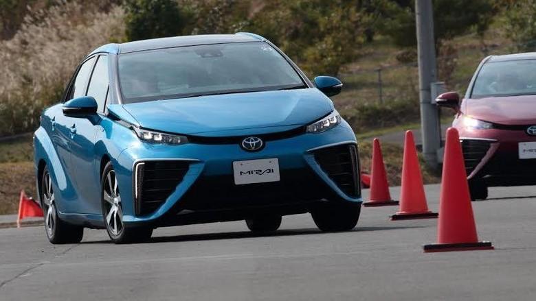 Mobil hidrogen Toyota Mirai (Foto: Toyota)