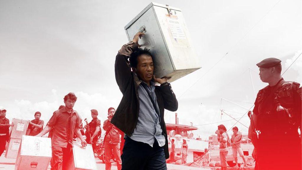 Pilkades di Bandung Barat, Polisi Bertongkat Kawal Jalur TPS