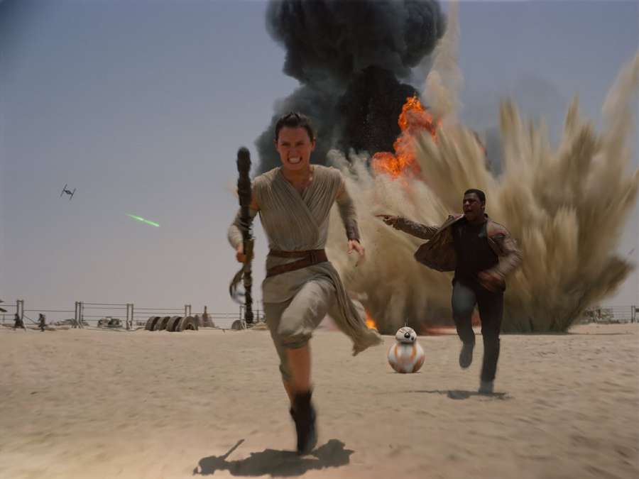 Mengintip Cuplikan Film Star Wars: The Force Awakens