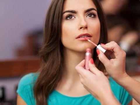 Hati-hati Ladies! Ini 3 Tester Kosmetik yang Paling Bahaya untuk Dicoba