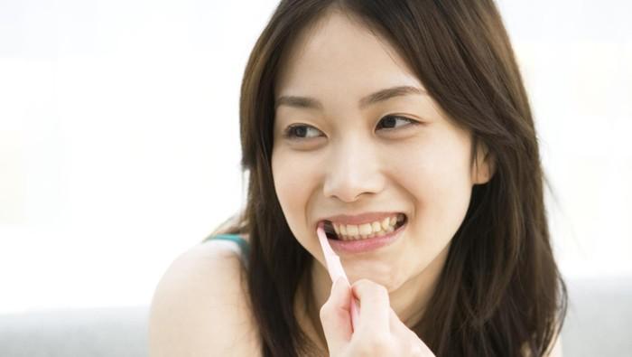 Gosok gigi nggak boleh asal-asalan (Foto: thinkstock)